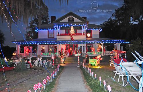 Christmas House - shot 1