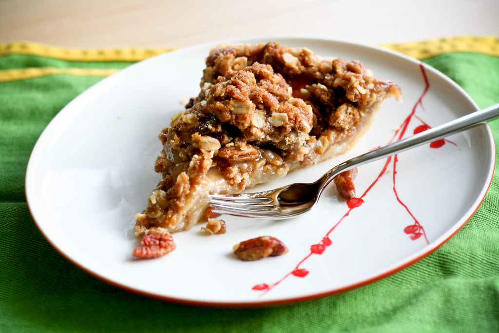 Thanksgiving Recipe: Vanilla & Pear Crumble Pie