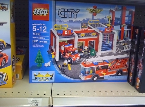 LEGO 2010 Sets Spotted at Toys R Us - City 7208 Fire Station