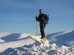 Yours Truly on Carn Aosda (Jason Whiteley) Tags: jason ski club scotland highlands tour scottish mini jo glen lancashire alpine mountaineering joanne touring munros braemar munro whiteley carn shee cairnwell aosda 917m