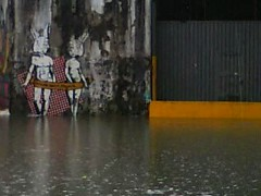 Walking on Waters (SAO!) Tags: life street urban brasil bar flood deep vida contraste waters urbano paulo sao barra alto dela so aguas zona oeste funda enchente 6emeia