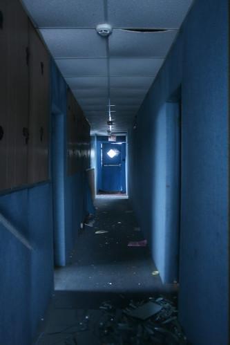 2nd floor hallway of the Oxford Inn