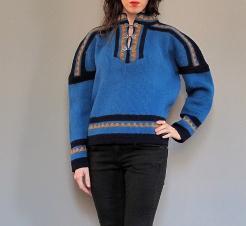 vtg scandinavian sweater