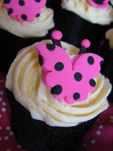 polka dot butterfly cupcake