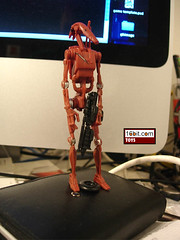 Battle Droid (Red, Slashed)