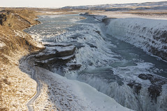 catarata congelada agua hielo