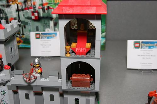 LEGO Toy Fair 2010 - Kingdoms - 7946 King's Castle - 8 by fbtb.