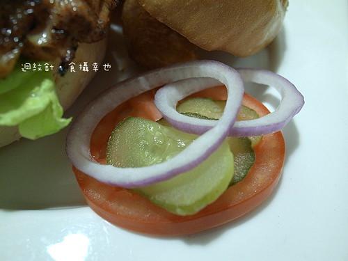 發福廚房墨西哥辣椒漢堡生菜仔細看