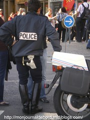 motard police 03.2007 2 (tripuniforme) Tags: 1025fav french boots botas motard stiefel stivali motorcop greatphotos leatherboots policenationale frenchpolice policeboots bottesdecuir botasdecuero bottesdepolice motardpolicenationale frenchpolicemotorcop frenchpoliceboots