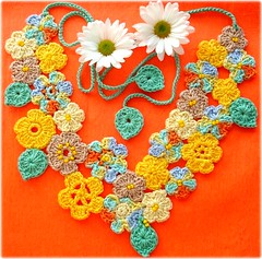 Fada Maya, colar de croch (Lidia Luz) Tags: flowers flores flower necklace handmade crochet flor jewelry bijoux bijuteria colar bijouteria croch lidialuz stunningphotogpin