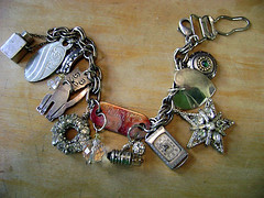 Art Opera Workshop: Scavenger Bracelet!