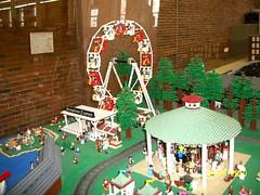 Ferris Wheel (bethvanduzer) Tags: wheel manchester lego nh ferris seesciencecenter