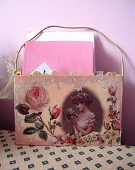 Porta Cartas decoupage (Santinha - Casas Possveis) Tags: papel colar madeira pintar decoupage recortar