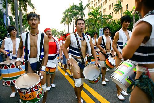 蘭嶼的隊伍應該是達吾族,前排的都是壯漢