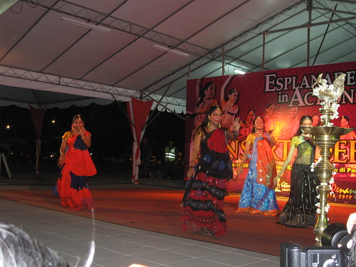 The last dance at a Deepavali festival we caught