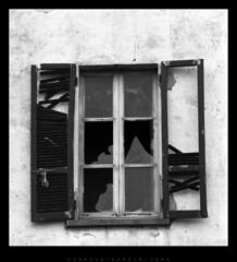 window (Giorgio Bordin) Tags: window decay finestra vetri rotti