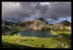 Lagos de covadonga (Fernando G.M.) Tags: agua nikon 300d arboles nubes 18200 stp fgm totalphoto theunforgettablepictures fernandogm