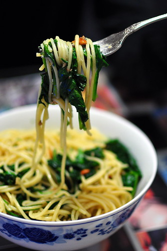 SPINACH AND ANCHOVY PASTA