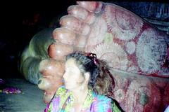 930200 Reclining Buddha (rona.h) Tags: 1993 srilanka february cacique ronah dambukka