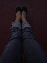 Punto de fuga (patacan) Tags: jeans zapato morra pierna mezclilla tobillo