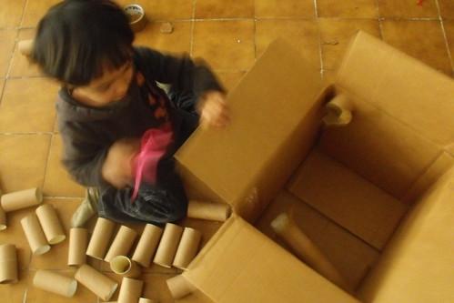Caja con túneles