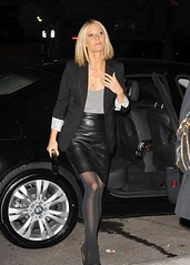 Gwyneth Paltrow (New Leather) Tags: leather star skirt jupe gwyneth cuir paltrow lederrock