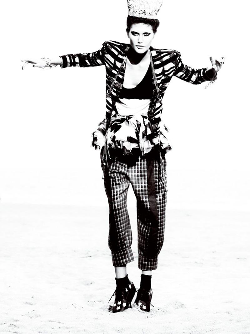 Catherine McNeil by Mario Testino