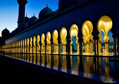 Sheikh Zayed Mosque (@mons.always) Tags: reflection nikon mosque abudhabi d90 18105mm sheikhzayedgrandmosque