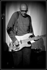 Saturnino #3 (momatrix) Tags: music flickr arte bass funky verona musica slap pick bassguitar 2009 basso saturnino thechallengefactory eurobassday2009 martinoorlandi