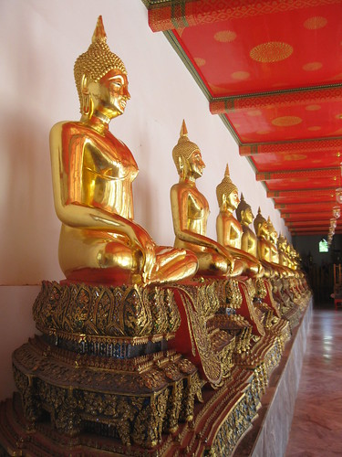 More Buddha at Wat Pho