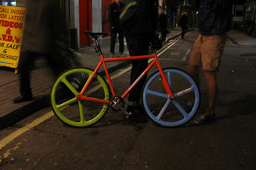 tokyo-fixed-gear-store-opening-4