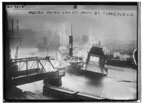 Third Street Bridge and the steamer William Henry Mack