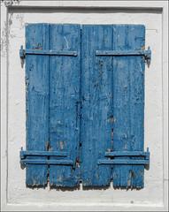 greek window (duqueıros) Tags: blue white colour window island europa europe fenster details hellas insel greece blau corfu korfu kerkyra griechenland farbe weiss blueandwhite greekhouse ionischeinsel southeasteurope ionianisland mywinners lakones κέρκυρα südosteuropa greekcolours ελλάσ duqueiros griechischefarben greekwindow