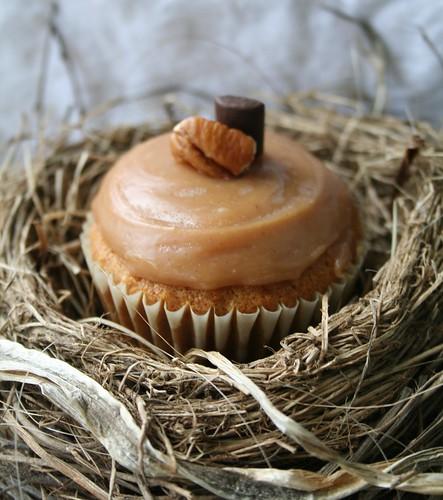 Tortoise Vs. Hare Cupcakes, from Cake Gumshoe Melanie