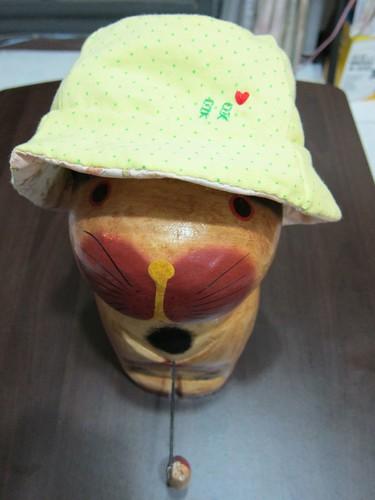釣魚貓戴貝貝帽