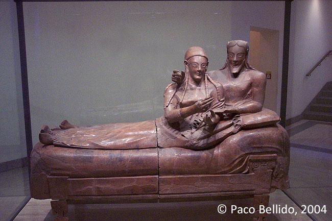 Sarcófago de los esposos. © Paco Bellido, 2004
