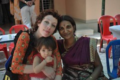 Three girls awaiting lunch (takeyourbigtrip) Tags: india kerala alleppey