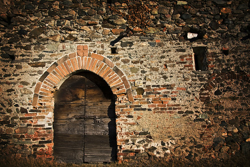 Ricetto of Magnano, Door #1 (by storvandre)