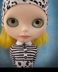 Hypno-Blythe (Pink Anemone) Tags: sky yellow eyes doll stripes feel blythe custom fts zaloa