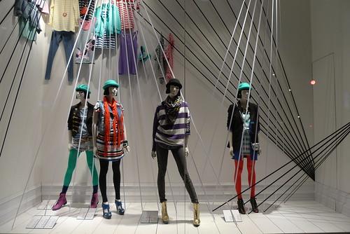 Vitrine H&M, Paris février 2010