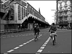 Bike Bother (www.francescaalviani.com) Tags: blackandwhite berlin bike kreuzberg germany bahnhof law der fahrrad biancoenero berliner fahren 2010 fines bicicletta berlino grlitzer multe verkehrsteilnehmer berlincalling ortsteil 61109 busgeldkatalog therebelcyclistinberlin bikebother verkehrsteilnehmerutentedellastrada