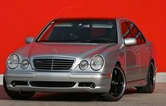 Mercedes W210 (austrianpsycho) Tags: auto car sedan silver mercedes e mercedesbenz rims limousine e55 amg avantgarde silber haid lorinser pkw eclass felgen eklasse pergers erichs w210 ansfelden turbinenfelgen haidcenter