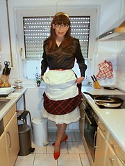 housewife kitchen 04 (cdhousewife) Tags: crossdresser housewife hausfrau housework apron satinblouse satinbluse petticoat slip schürze
