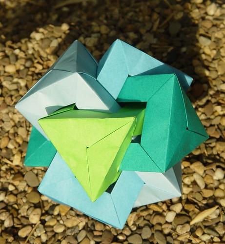Four Interlocked Triangular Prisms von Daniel Kwan (Tagfalter) Tags: origami modular