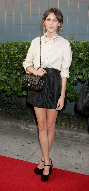 Preppie_-_Alexa_Chung_at_The_Cinema_Society_and_Hugo_Boss_screening_of_Inglourious_Basterds_-_August_17_2009_1335