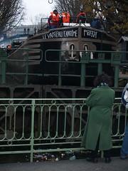 Le vaisseau fantme (Stphane J.) Tags: paris canal saintmartin pniche