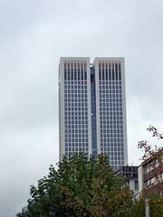 100_3815_photomized (colin2k) Tags: city tower skyline skyscraper hessen frankfurt main fra frankfurtammain zeil mainhatten hochhaus wolkenkratzer frankfurtam rheinmaingebiet