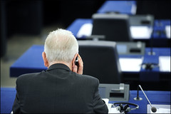 An MEP discusses the agenda before the start of the sitting (European Parliament) Tags: camera brussels france mobile democracy election europa europe european phone belgium flag telephone president political eu bruxelles parliament communication strasbourg rights leader session elections package citizen 2009 europeanunion ep citizens telecom politic telecoms europeanparliament telecommunications plenary europeanflag euroepan parlamentoeuropeo citoyen europäischesparlament parlementeuropéen europaparlamentet európai euroopaparlament europeanelections europosparlamentas parlementparlament europejskiparlamento europeuparlamentul parlamentevropski parlamenteuroopan europskýparlament parlaimintnaheorpa europeancitizens eurostudio europeanelectionscampaign europasparlaments parlamentilparlament ewropeweuropees europeaneuropósky parlamenttieuropaparlamentet