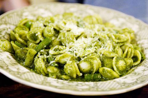 orecchiette with potato and green beans in pesto