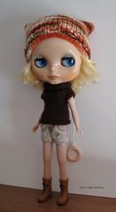 Orange and brown set (sweater & hat) for Blythe: elegantly cosy!